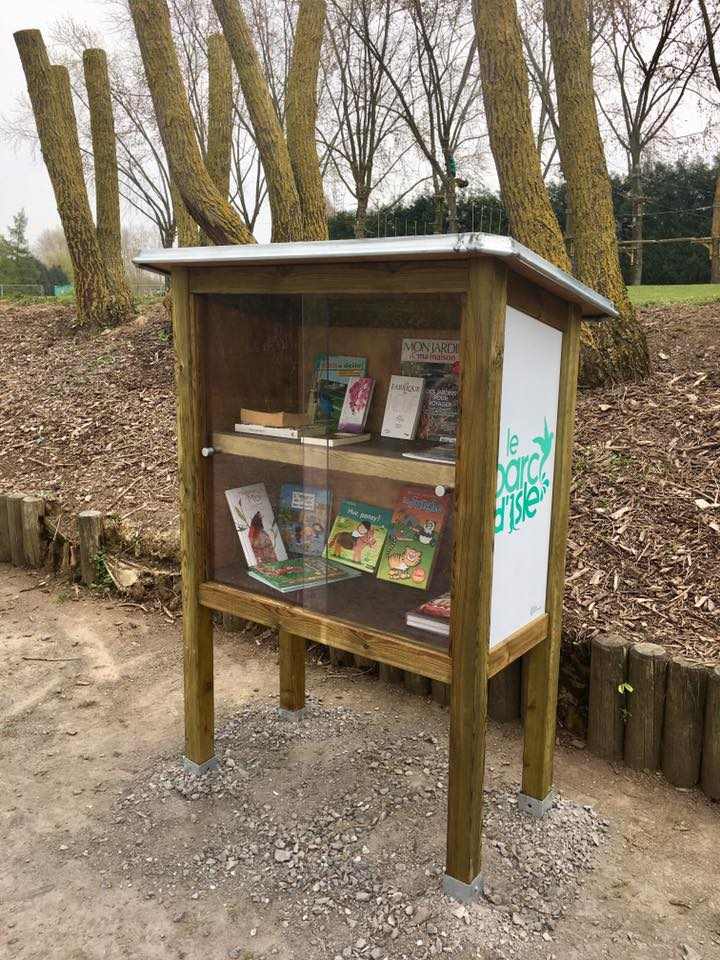 #JournéeMondialeDuLivre Des boîtes à livres ont été installées la semaine dernière au Parc d'Isle. Le principe est simple : vous déposez, vous empruntez, vous lisez, vous rapportez #ParcdIsle #Livres #BoiteALivres #AggloSaintQuentinoisagglo-saintquentinois.fr/actualites-109…